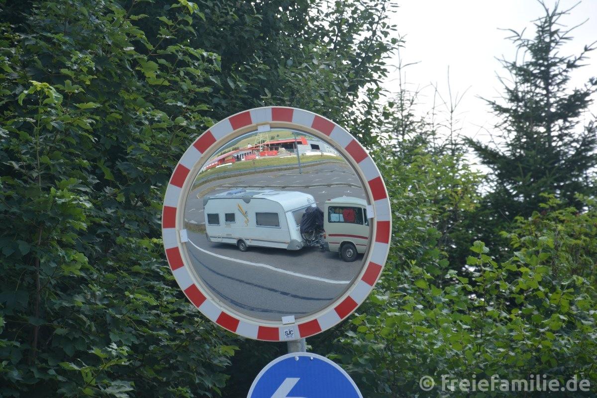 Mit diesem einfachen Trick kannst du dein Kfz auch ohne Wohnsitz in Deutschland angemeldet lassen!