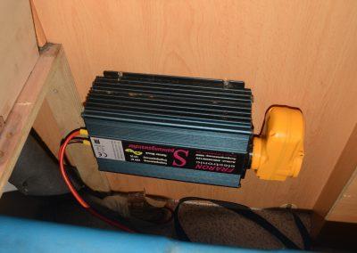 Wechselrichter mit Fehlerstromschutzschalter
